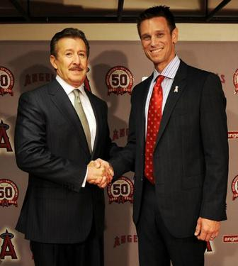 http://mlblogsblithescribe.files.wordpress.com/2011/10/jerry-dipoto-for-blog.jpg?w=555